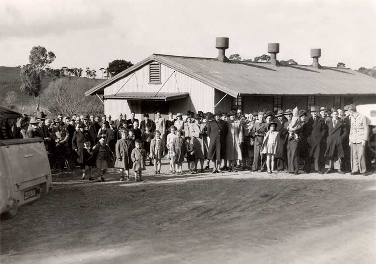 Opening of the Paris Creek Hall c1948